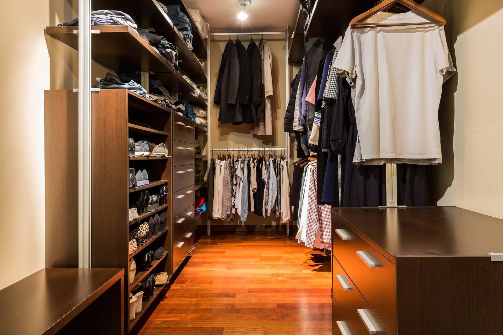 home interior design walk in closet