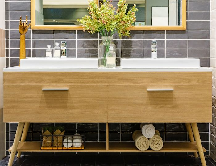 A Functional and Environment-Friendly Bathroom - Natural Materials